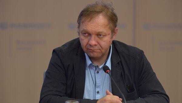 Кирилл Коктыш, член совета Ассоциации политических экспертов и консультантов, доцент кафедры политической теории МГИМО