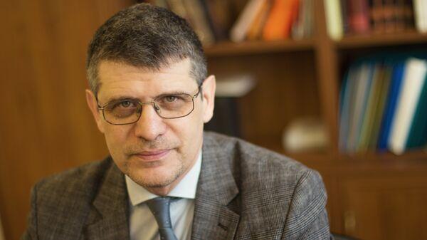 Директор Государственного литературного музея Дмитрий Бак