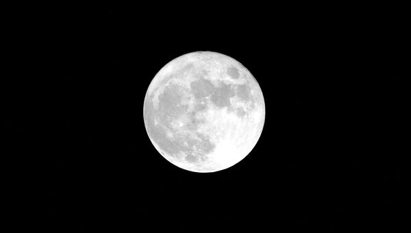 Изображение Луны, снятое космонавтом Роскосмоса Юрием Маленченко