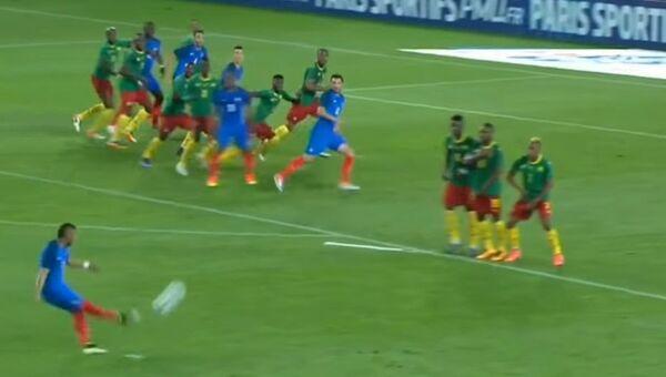 Гол Пайе в ворота сборной Камеруна