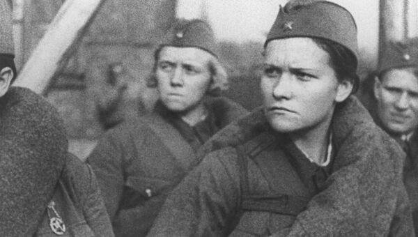 Кадр из фильма Москвичи в 1941 году