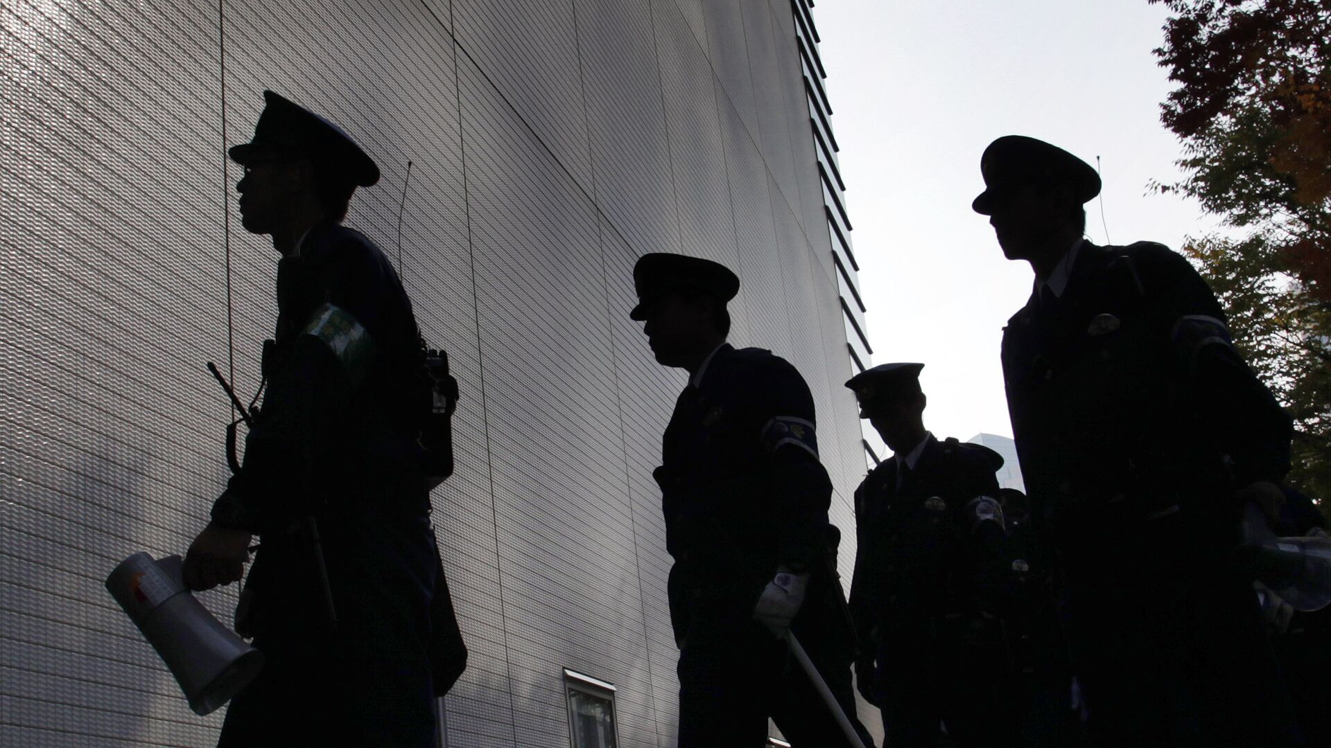СМИ раскрыло подробности инцидента с приплывшим в Японию мужчиной
