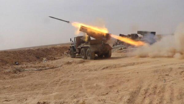 Сирийские военные обстреляли ракетами позиции террористов в провинции Ракка