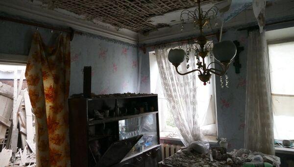Последствия обстрела Куйбышевского района Донецка. Архивное фото
