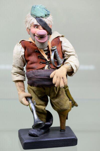 Кукла из мультфильма Боцман и попугай - экспонат Музея киностудии Союзмультфильм, которой исполняется 80 лет