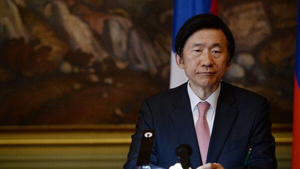 Министр иностранных дел Республики Корея Юн Бён Се. Архивное фото