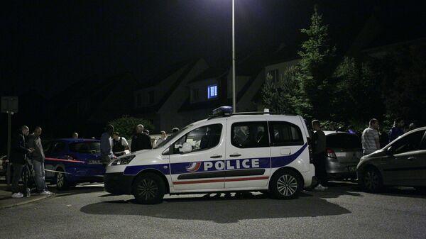На месте убийства полицейского под Парижем. Архивное фото