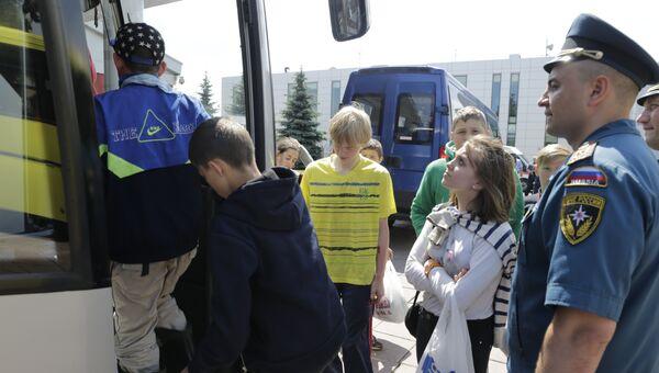 Дети возвращаются из Карелии. Архивное фото