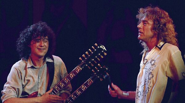 Участники группы Led Zeppelin Джимми Пейдж и Роберт Плант