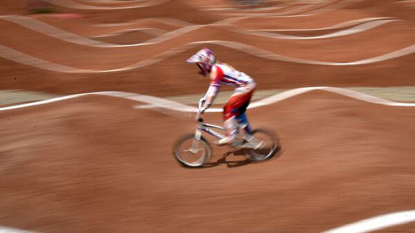 Россиянка Наталья Суворова на соревнованиях по велоспорту-ВМХ в Баку, Азербайджан