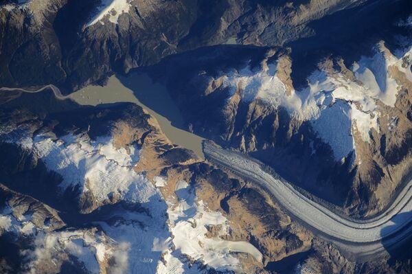 Фотография ледников Патагонии снятая с борта МКС космонавтом Роскосмоса Алексеем Овчининым