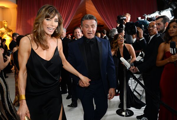 Сильвестр Сталлоне с супругой Дженнифер Флавин на Governors Ball в Лос-Анджелесе