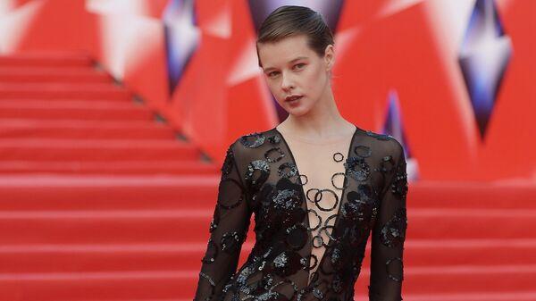 Актриса Катерина Шпица перед началом церемонии закрытия 38-го Московского международного кинофестиваля