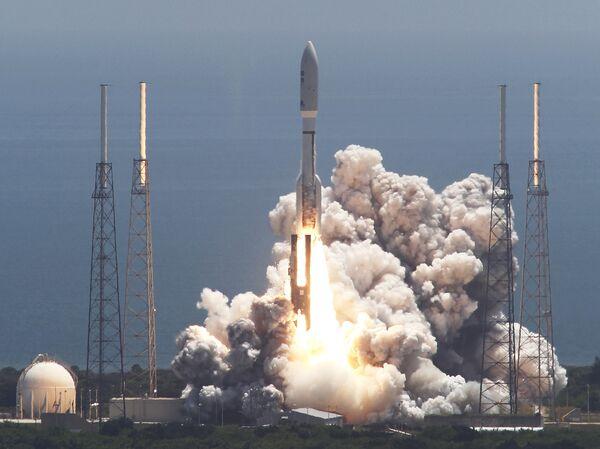 Запуск ракеты-носителя Atlas V с космическим аппаратом Juno. 2011 год