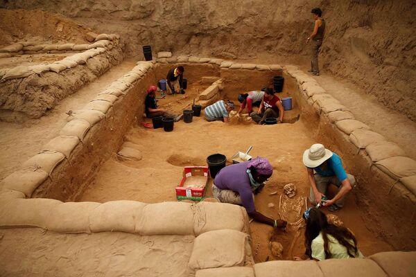 Археологические раскопки на кладбище в израильском городе Ашкелон