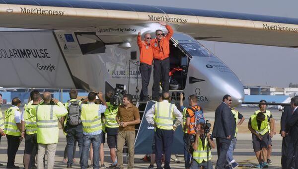Самолет на солнечных батареях Solar Impulse 2 приземлился в Каире