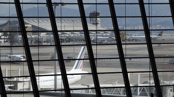 Вид на аэропорт Ниццы
