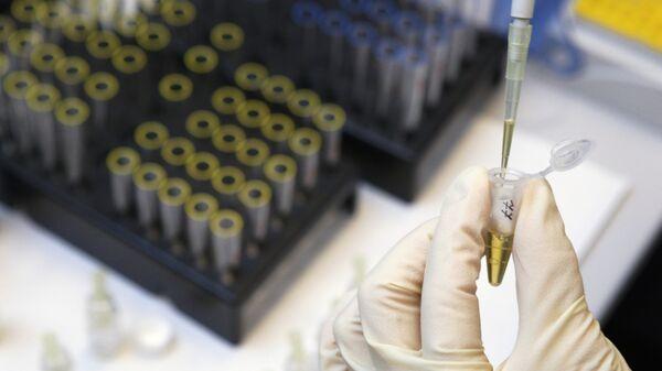 Процедура определения гормона роста в сыворотке крови в лаборатории анализа пептидного допинга