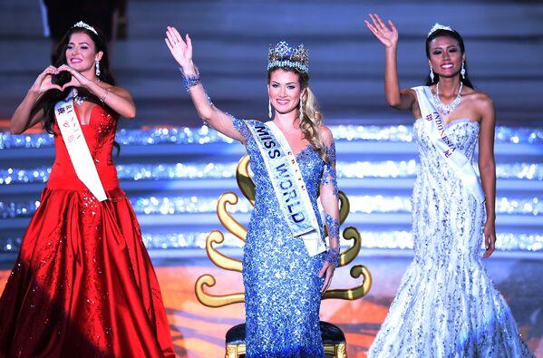 Победительница конкурса Мисс Мира Мирея Лалагуна из России, 2010 год