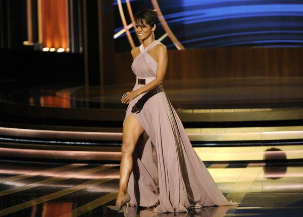 Американская актриса Холли Берри во время 66-й церемонии вручения премии Annual