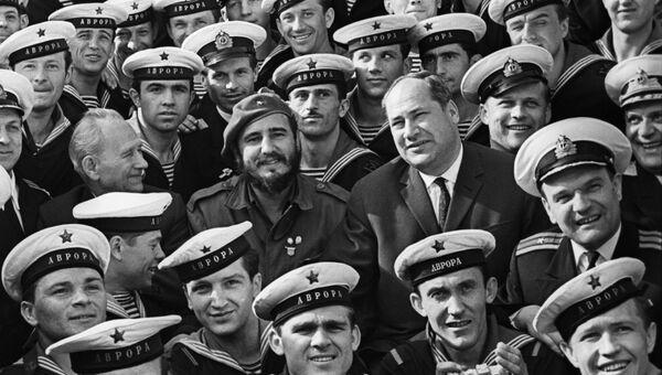 Председатель Государственного совета и Совета министров Республики Куба, лидер кубинской революции Фидель Кастро