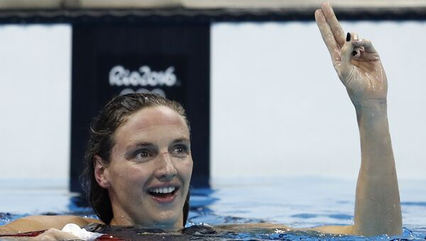 Венгерка Катинка Хошсу завоевала золотую медаль и обновила мировой рекорд в плавании комплексом на 400 м на Олимпиаде в Рио