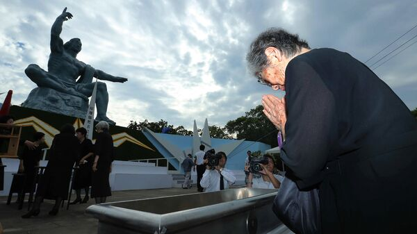 Церемония памяти жертв атомной бомбардировки у Статуи мира в Нагасаки