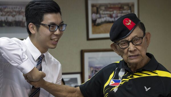 Бывший президент Филиппин Фидель Рамос во время пресс-брифинга в Гонконге