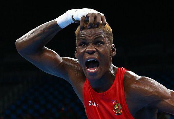 Боксер Вилфред Нтсенгуе из Камеруна на летних Олимпийских играх в Рио-де-Жанейро
