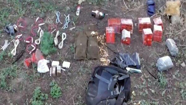 Тротиловые шашки, обнаруженые в ходе задержания украинских диверсантов сотрудниками ФСБ России в Крыму