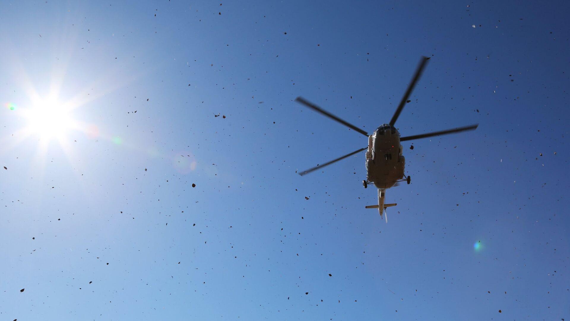 В Югре Ми-8 с восемью пассажирами совершил вынужденную посадку