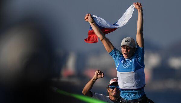 Стефания Елфутина, завоевавшая бронзовую медаль в гонке класса RS:X на соревнованиях по парусному спорту на XXXI летних Олимпийских играх