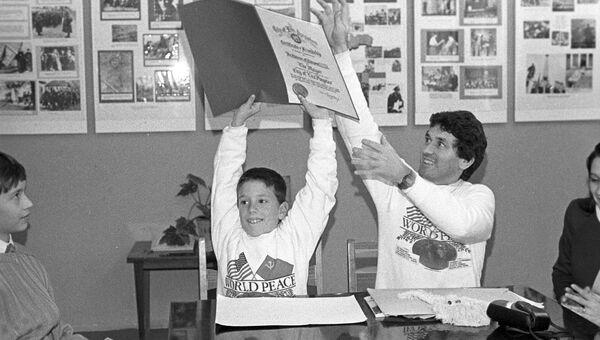 Американский 9-летний школьник из Лос-Анджелеса Брэд Корреа, находящийся в СССР с миссией мира