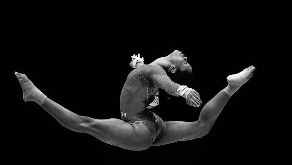 Специальный фотокорреспондент МИА Россия сегодня Владимир Астапкович занял третье место в номинации Спорт за серию фотографий Невесомость в ежегодном Международном конкурсе фотожурналистики имени Андрея Стенина 2016