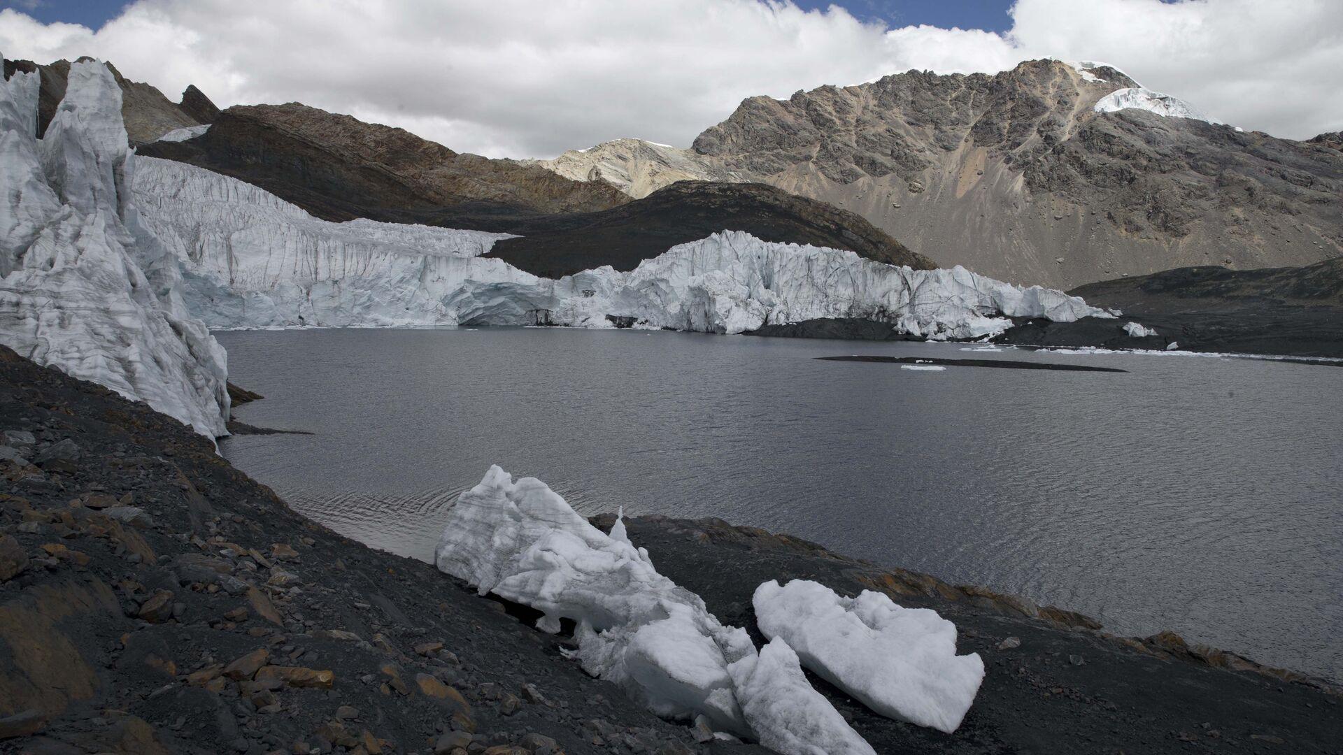 Исчезающий ледник Пасторури в национальном парке Уаскаран в Перу  - РИА Новости, 1920, 02.11.2020