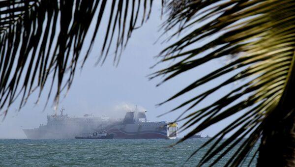 Пожар на круизном судне Caribbean Fantasy у берегов Сан-Хуан-Харбор