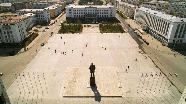 Площадь Ленина в Магадане. 1996 год