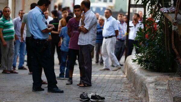 На месте взрыва в турецком Газиантепе, 21 августа 2016