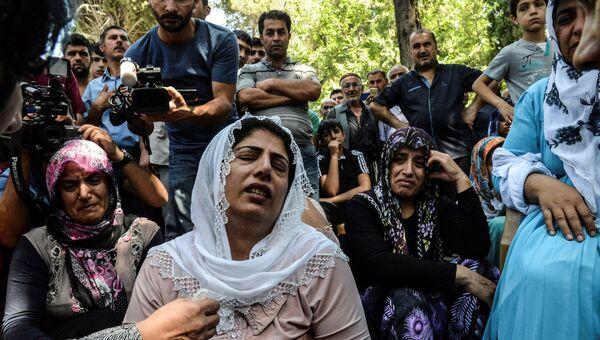 Похороны погибших при взрыве в турецком городе Газиантеп