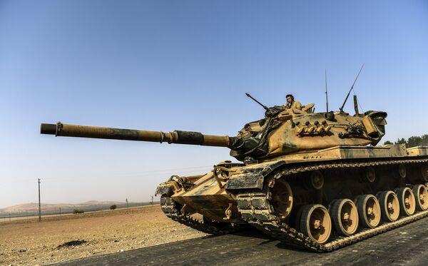 Турецкая бронетехника на границе с Сирией. 24 августа 2016