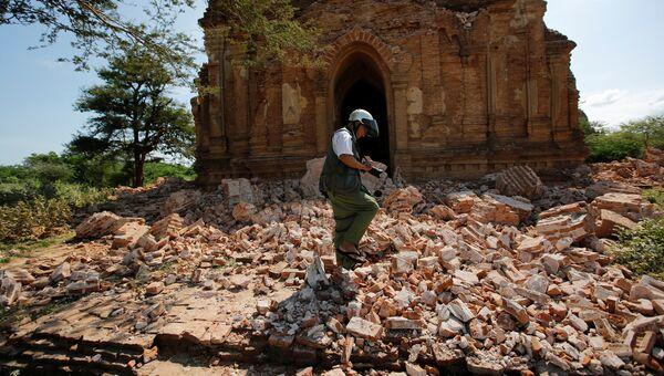 Последствия землетрясения в древней столице Мьянмы Пагане
