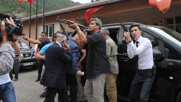 Нападение на автомобиль лидера оппозиционной Народно-республиканской партии Турции Кемаля Кылычдароглу. 25 августа 2016