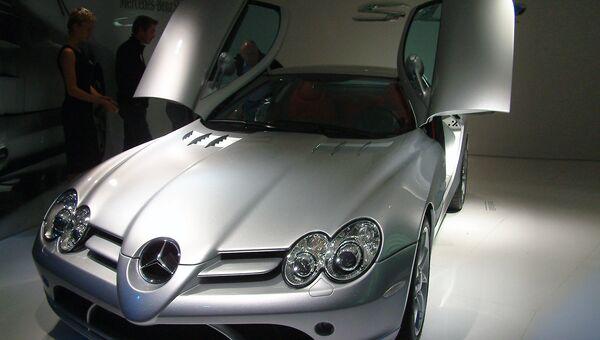 Автомобиль Mercedes-Benz SLR McLaren