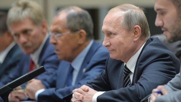 Владимир Путин (второй справа) на саммите Группы двадцати G20 в Ханчжоу. 5 сентября 2016