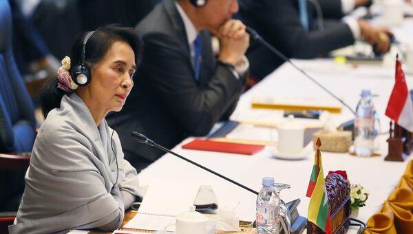 Лидер Мьянмы Аун Сан Су Чжи. Архивное фото