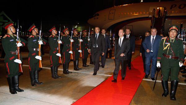 Дмитрий Медведев прибыл в Лаос для участия в 11-м Восточноазиатском саммите. 7 сентября 2016