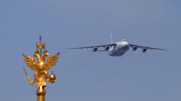 Тяжёлый дальний транспортный самолёт АН-124-100 Руслан. Архивное фото