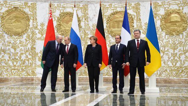 Александр Лукашенко, Владимир Путин, Ангела Меркель, Франсуа Олланд и Петр Порошенко. Архивное фото