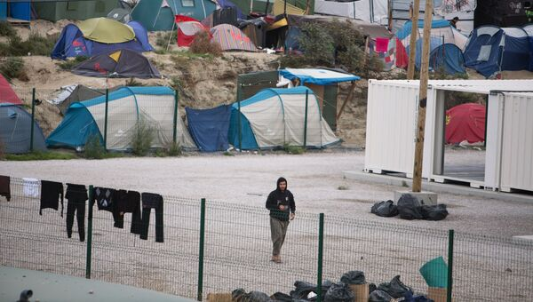 Лагерь нелегальных мигрантов в Кале. Архивное фото