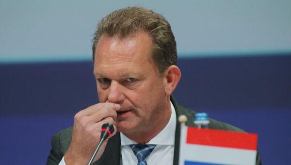 Главный прокурор Нидерландов Фред Вестербеке во время представления в Ньювегейне доклада по расследованию крушения на востоке Украины в 2014 году лайнера Boeing 777 Malaysia Airlines (рейс MH17). 28 сентября 2016